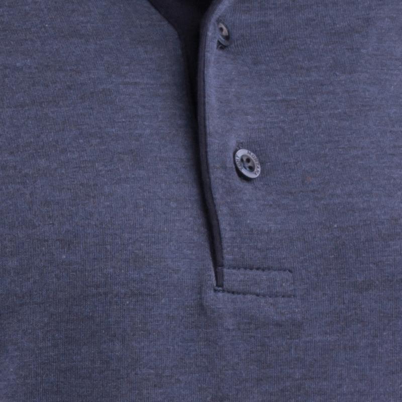 Detail knoflíků polokošile